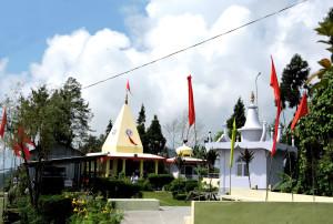 temple-of-goddess-durga-at-kalimpong-beside-hanuman-tok-