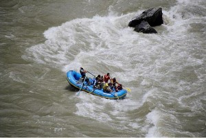 Rafting over the teesta river