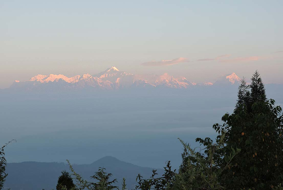 Breathtaking view of Kanchenjungha from Tiffin Dara