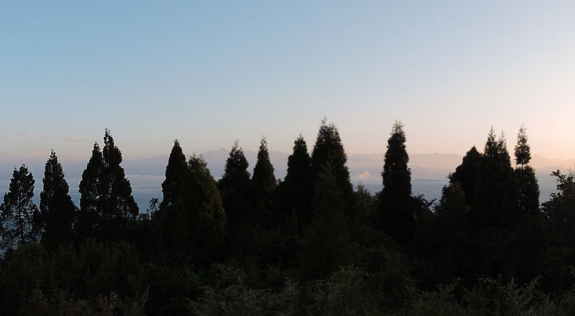Panoramic view of Kanchenjungha from Tiffin Dara view point